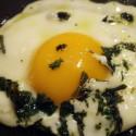 ricetta uova al tegamino con erbette