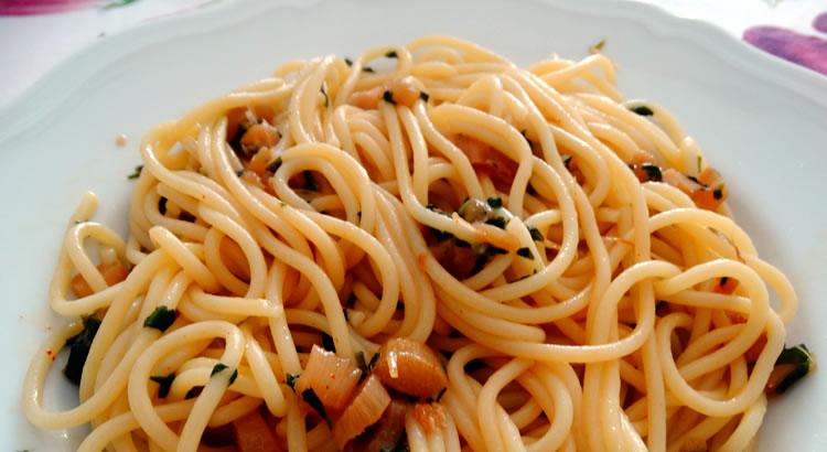 ricetta spaghetti con punte di asparagi bianchi