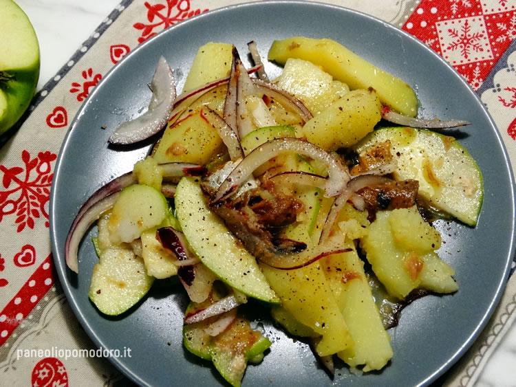 insalata di patate mele cipolle aringhe affumicate