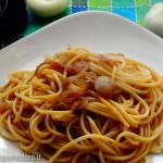 spaghetti alla cipolla con salsa di soia