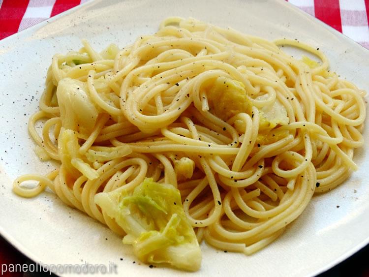 ricetta spaghetti con verza