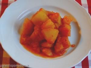 ricetta patate al pomodoro in umido
